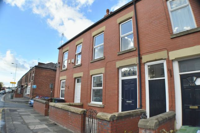 Thumbnail Terraced house to rent in Mottram Road, Hyde