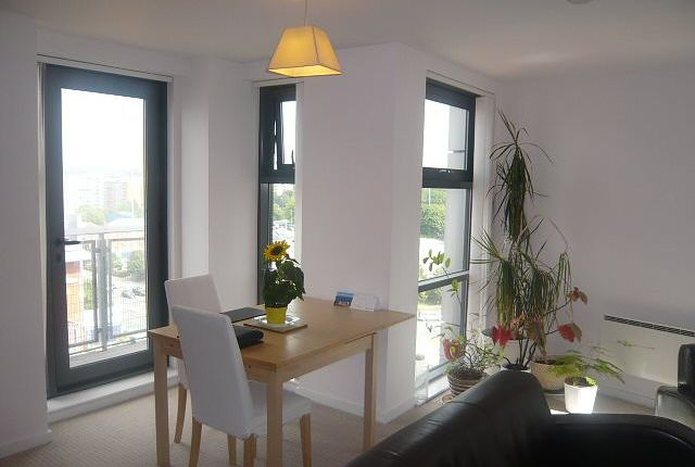 Living Area of Blantyre Street, Manchester M15