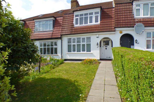 Thumbnail Terraced house for sale in Lakeside Crescent, East Barnet