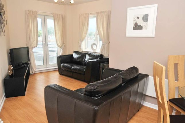 Thumbnail Flat to rent in High Street, Crawley