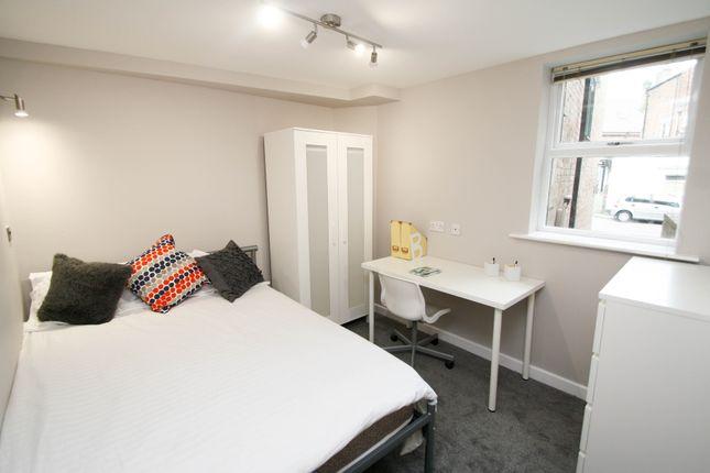 Thumbnail Flat to rent in Shiners Yard, Jesmond, Newcastle Upon Tyne