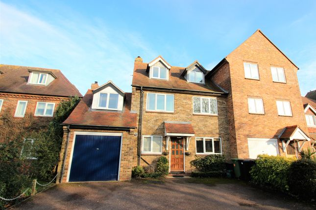 Thumbnail End terrace house for sale in North Quay, Abingdon
