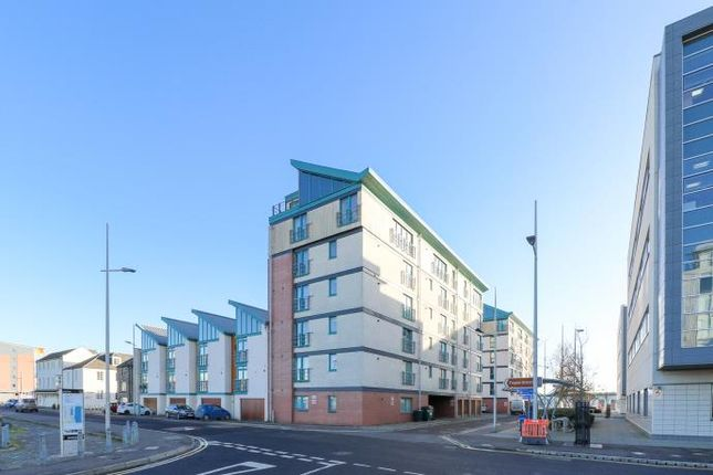 Thumbnail Flat to rent in Panmure Court, City Quay, Dundee