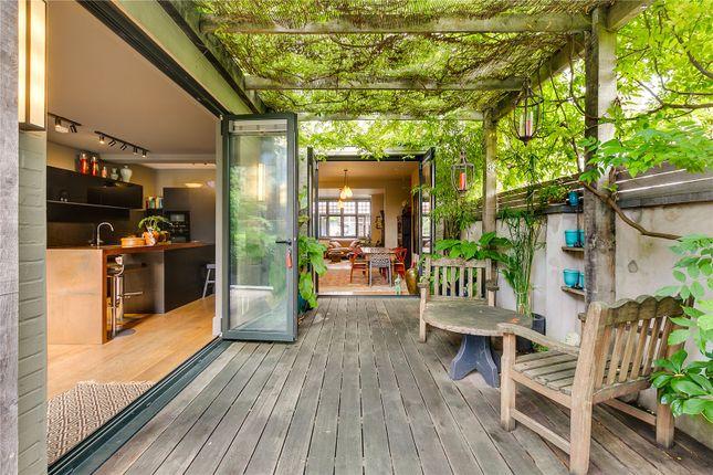 Garden Room of Byfeld Gardens, Barnes, London SW13