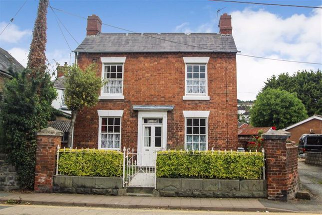 3 bed detached house for sale in Salop Road, Welshpool SY21