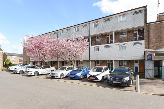 Thumbnail Maisonette for sale in Goldsworth Park, Woking