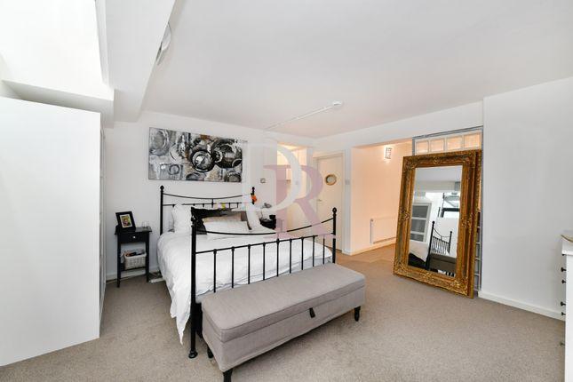 Bedroom  of Westbourne Road, Islington N7