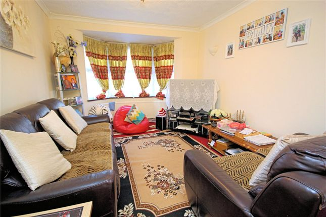 3 Bed Terraced House For Sale In Woking Surrey Gu21 Zoopla