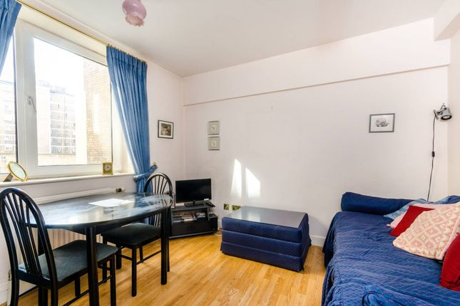 Thumbnail Flat to rent in Chelsea Cloisters, Sloane Avenue, London
