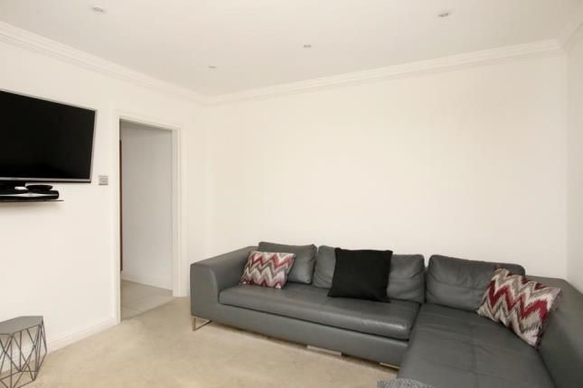 Picture No.07 of Norwood Drive, Sheffield, South Yorkshire S5