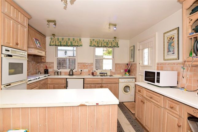 Thumbnail Detached house for sale in Epping New Road, Buckhurst Hill, Essex