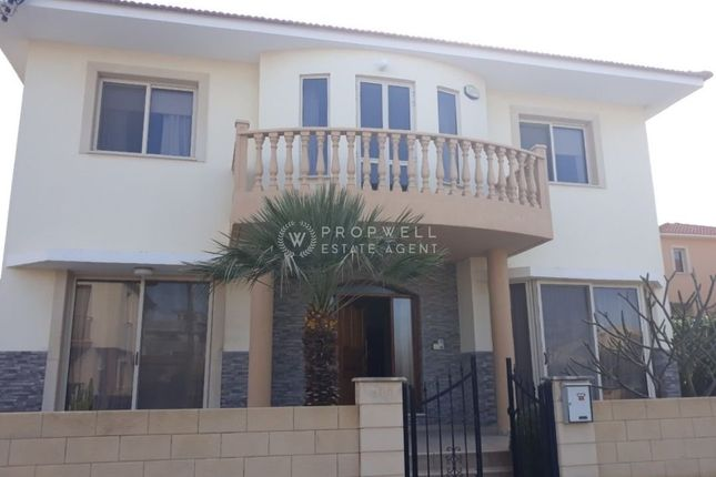Detached house for sale in Oroklini, Cyprus