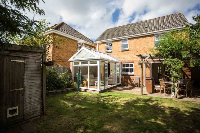 Thumbnail Detached house to rent in Heather Gardens, Farnborough, Hampshire
