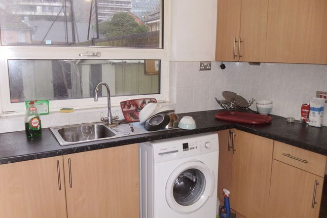 Thumbnail Flat to rent in Stafford Street, Isle Of Dogs