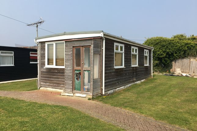 Thumbnail Mobile/park home for sale in Marine Parade, Sheerness