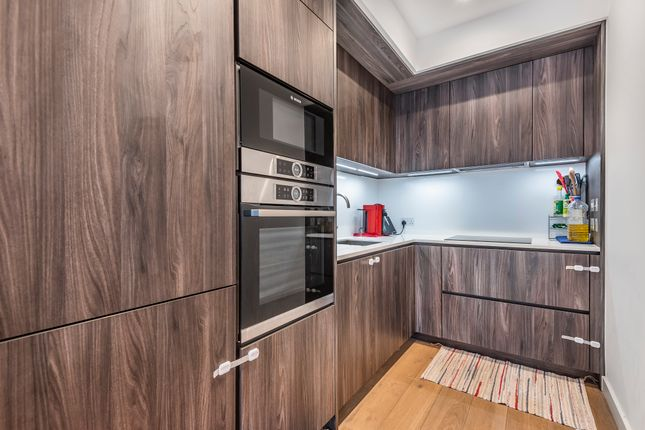 Kitchen of The Fulmar, 21 Reminder Lane, Lower Riverside, Greenwich Peninsula SE10