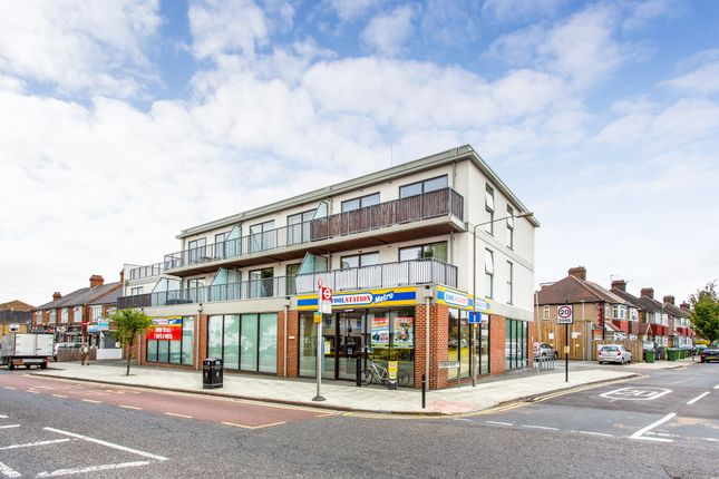 Thumbnail 2 bed flat for sale in Eastnor, London