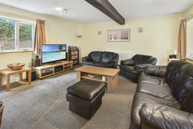 Living Room of King Street, Alfreton DE55
