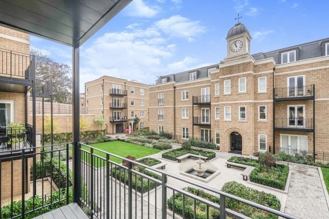1 bed flat for sale in Atkinson Close, London SW20