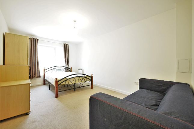 Thumbnail Flat to rent in Westferry Road, Crossharbour