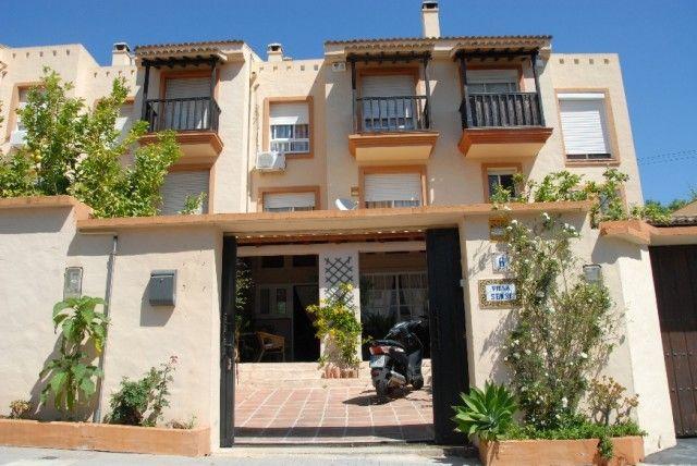 3 bed town house for sale in Spain, Málaga, Benalmádena, Arroyo De La Miel