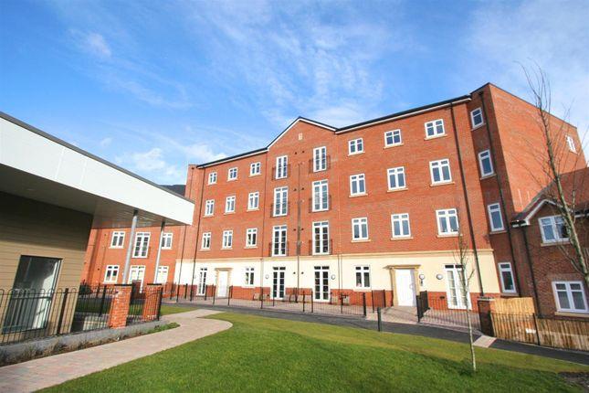 Thumbnail Flat to rent in Abbotsbury Court, Rumbush Lane, Dickens Heath