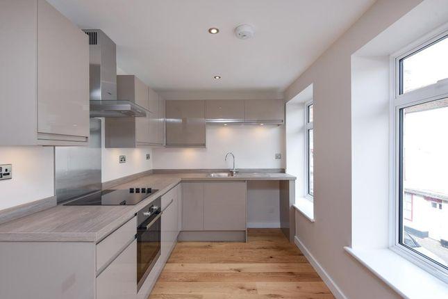 Thumbnail Flat for sale in Bath Street, Abingdon-On-Thames