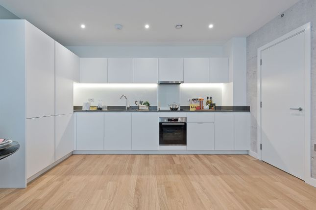 1 bedroom flat for sale in Samara Drive, Southall