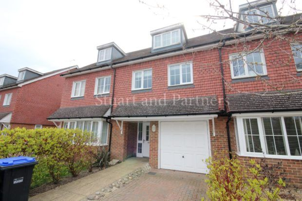 3 bed property to rent in Brick Lane, Cuckfield RH17