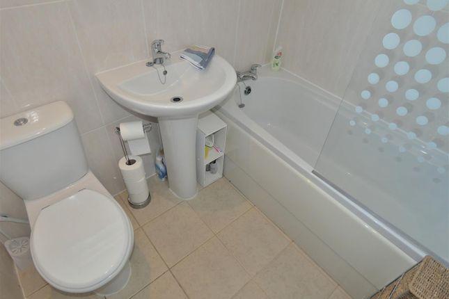 Bathroom of Bakewell Road, Long Eaton, Nottingham NG10