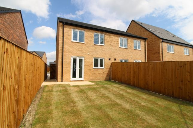 3 bedroom semi-detached house for sale in Hird Avenue, Market Weighton