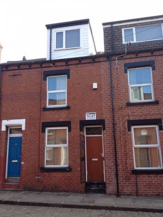 Terraced house to rent in Welton Place, Hyde Park, Leeds