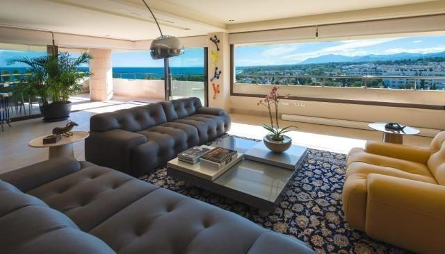 Thumbnail Apartment for sale in Málaga, Golden Mile, Spain
