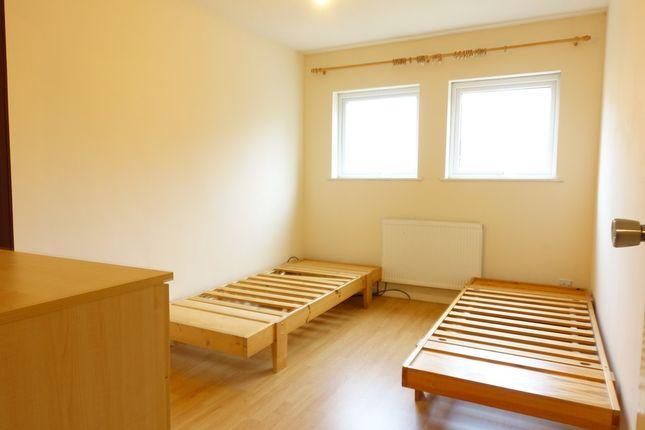 Thumbnail Room to rent in Bridgeford Court, Oldbrook, Milton Keynes