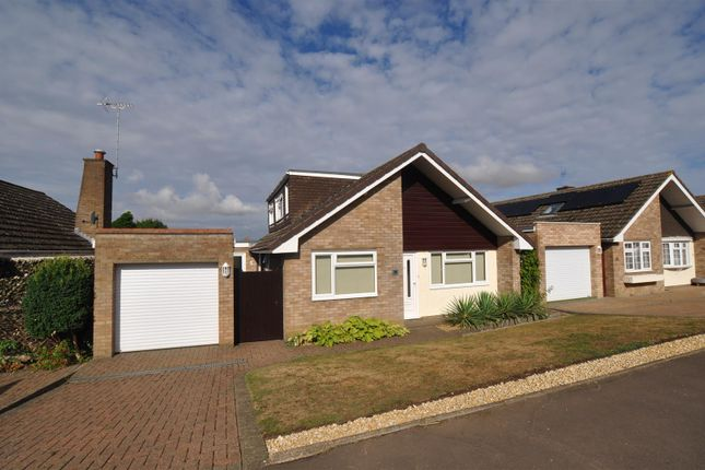 Thumbnail Detached house for sale in Stotfold Road, Hitchin