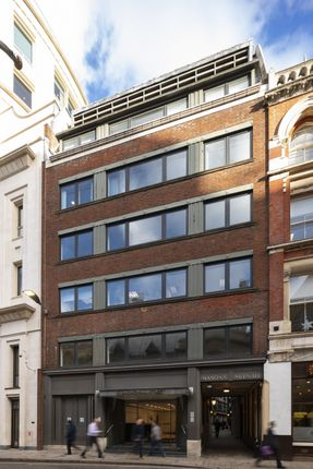 Office to let in Basinghall Street, London