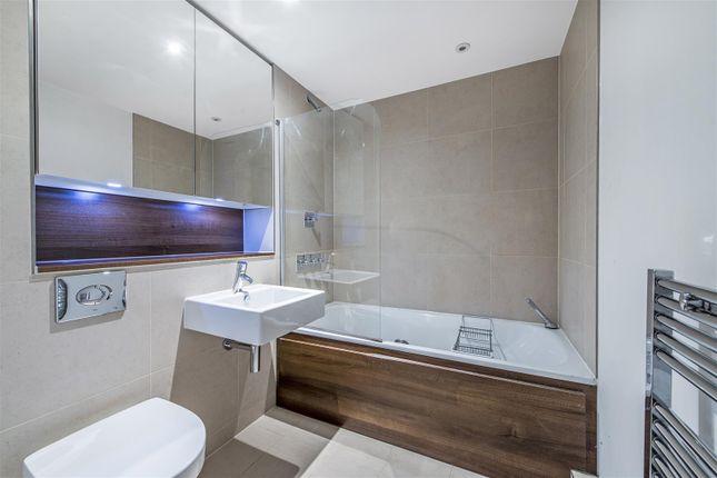 Bathroom of Salamanca Place, Vauxhall, London SE1