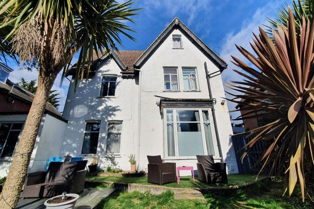 Thumbnail Hotel/guest house to let in B&B, Bournemouth