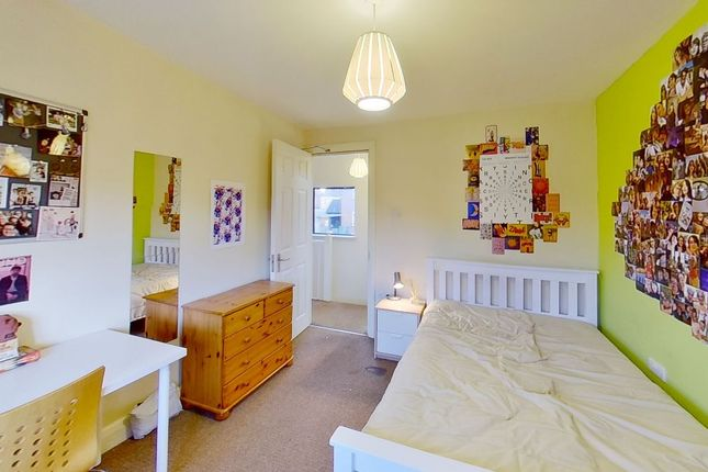 Thumbnail Semi-detached house to rent in Cabell Road, Guildford