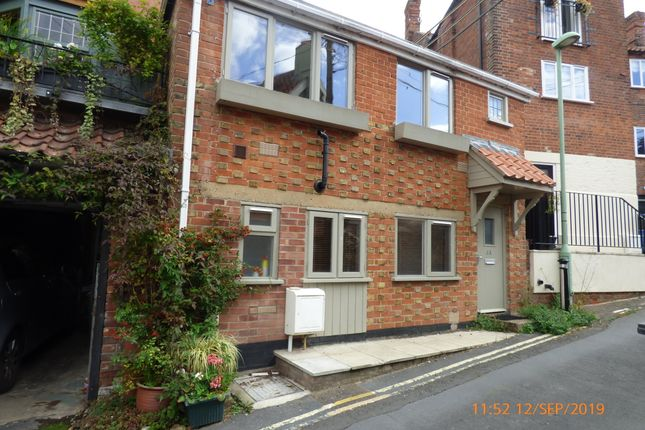 Link-detached house to rent in The Score, Beccles, Suffolk. NR34