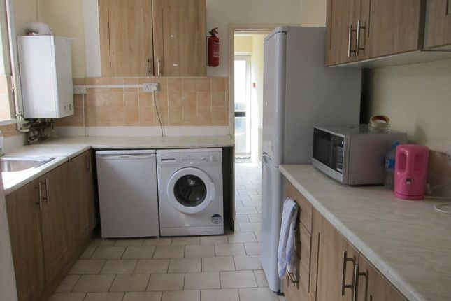 Thumbnail Room to rent in Kingsland Terrace, Treforest, Pontypridd