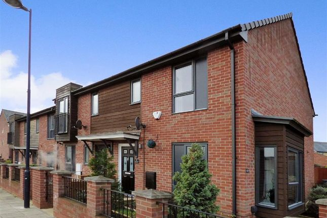 Thumbnail Town house for sale in Rosedawn Close West, Hanley, Stoke-On-Trent