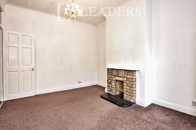 3 bed flat to rent in Hamlet Court Road, Westcliff On Sea, Essex SS0