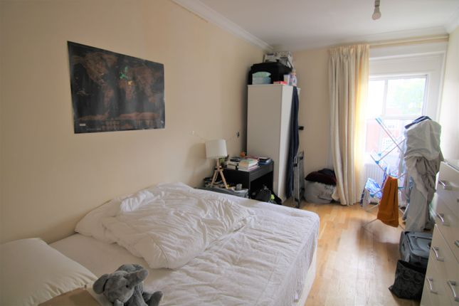 Thumbnail Terraced house to rent in Warwick Gardens, Finsbury Park
