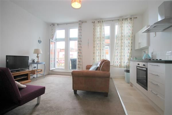 Thumbnail Flat for sale in Causeway Reach, Raycliff Avenue, Clacton-On-Sea