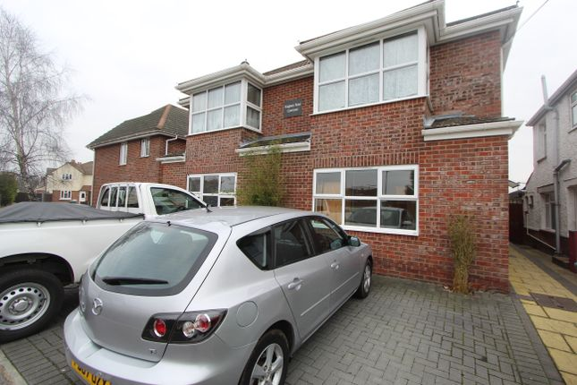 Thumbnail Flat to rent in Knighton Road, Itchen, Southampton
