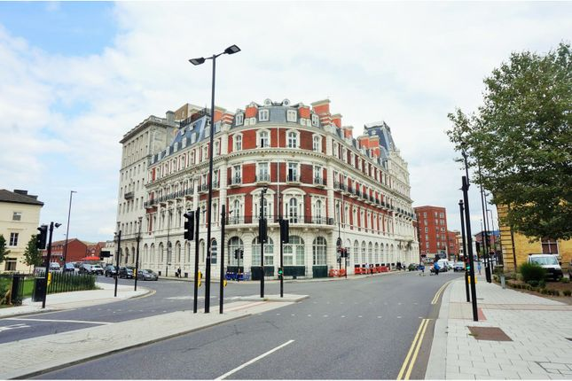 Thumbnail Flat for sale in South Western House, Southampton