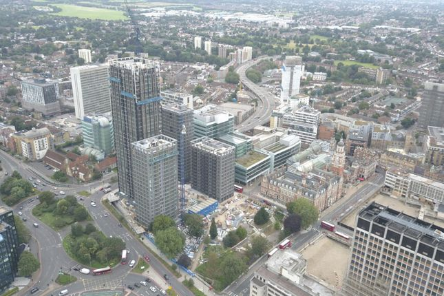 Thumbnail Leisure/hospitality to let in Queen'S Quarter, Croydon
