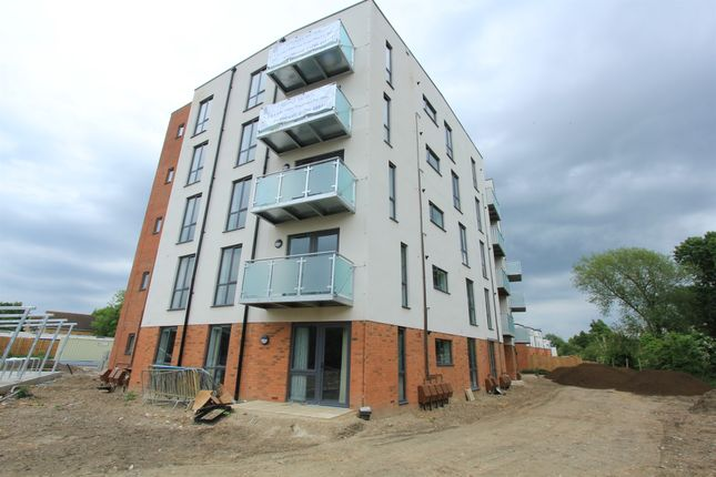 Thumbnail Flat for sale in Friars Mews, Oxford Road, Aylesbury