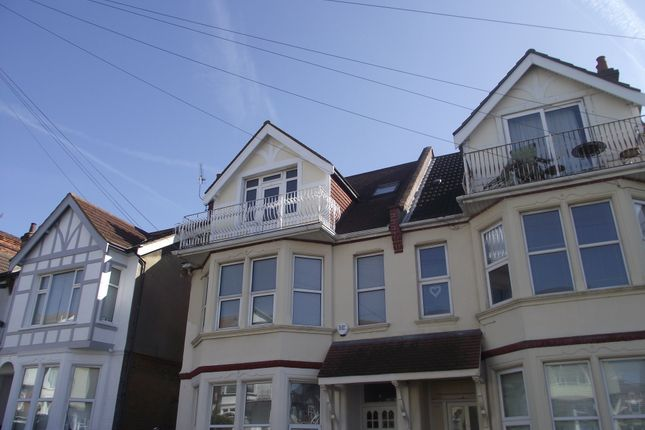 Thumbnail Maisonette to rent in Palmerston Road, Westcliff On Sea